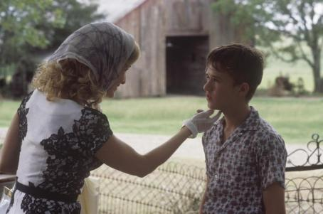 Secondhand Lions Kyra Sedgwick stars as the mother of Haley Joel Osment