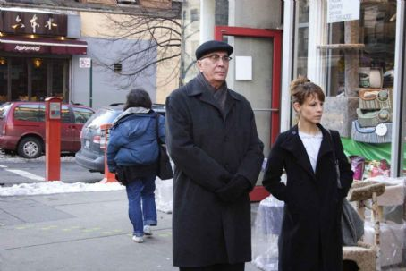 Frank Langella Leonard () and Ariel (Lili Taylor) in STARTING OUT IN THE EVENING. Photo Credit: Annabel Clark. © Maple Pictures Corp. All Rights Reserved.