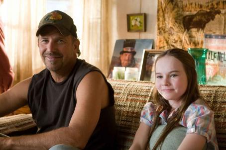 Swing Vote Kevin Costner and Madeline Carroll in SWING VOTE.