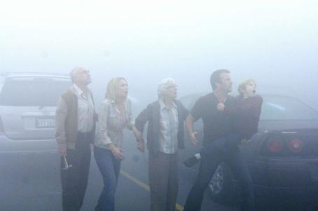 Laurie Holden Jeffrey DeMunn, , Frances Sternhagen, Thomas Jane, Nathan Gamble star in STEPHEN KING'S THE MIST, directed and adapted for the screen by Frank Darabont. Photo by: Courtesy of Dimension Films, 2007