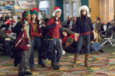 Gia Mantegna From left to right: Charlie Goldfinch (TYLER JAMES WILLIAMS), Donna Malone (QUINN SHEPHARD), Spencer Davenport (DYLLAN CHRISTOPHER) and Grace Conrad (GINA MANTEGNA) are determined to max out their holiday while stranded in an airport on Christmas Eve in W