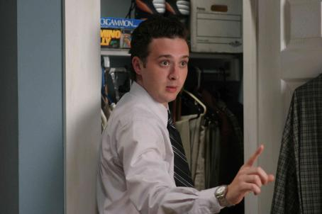 Eddie Kaye Thomas  as Larry in Blind Dating - 2007