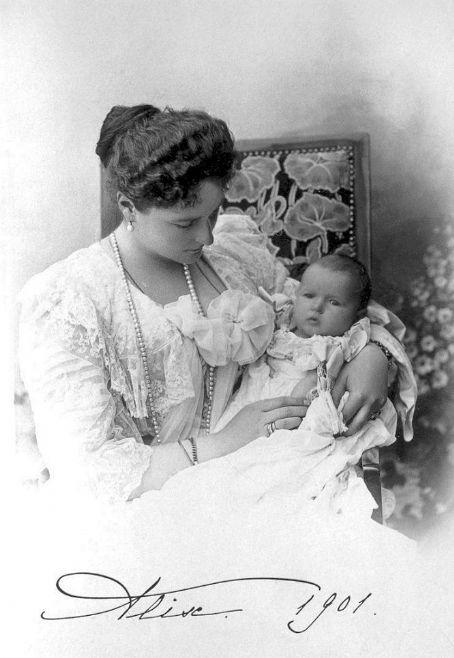Tsarina Alexandra Grand Duchess Anastasia Nikolaevna of Russia