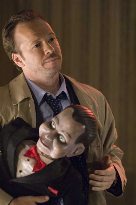 Donnie Wahlberg  as Det. Jim Lipton in Dead Silence - 2007