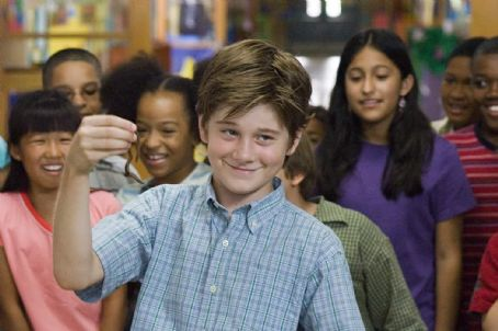"Luke Benward  stars as ""Billy"" in New Line Cinema's upcoming family release, How To Eat Fried Worms. Photo Credit: 2006 Van Redin/New Line Productions"