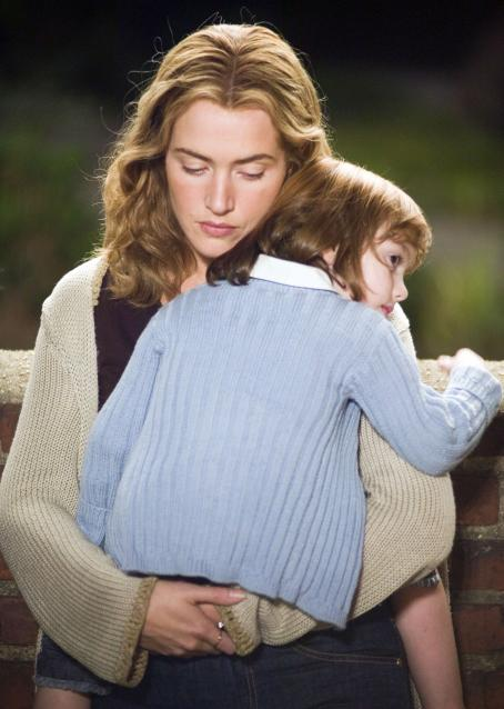 "Little Children Kate Winslet stars as ""Sarah"" and Sadie Goldstein stars as ""Lucy"" in New Line Cinema's upcoming release of Todd Field's LITTLE CHILDREN. Photo Credit: ©2006 Robert Zuckerman/New Line Productions"