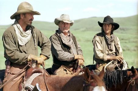 Open Range Button (Diego Luna, left) and Mose (Abraham Benrubi, right) are the younger half of the freegrazing foursome.