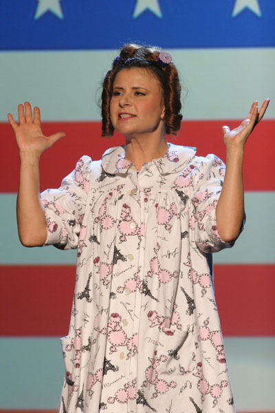 Tracey Ullman  in : Live and Exposed - 2005