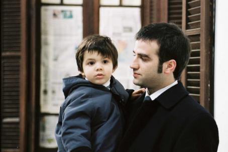Family Law Eloy Burman as Gastón Perelman with Daniel Hendler as Ariel Perelman in  - 2006