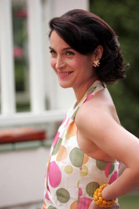 Fido Carrie-Anne Moss as Helen. Photo credit: Michael Courtney