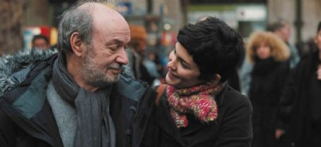 Director Claude Berri and Audrey Tautou behind the scene of Hunting and Gathering.