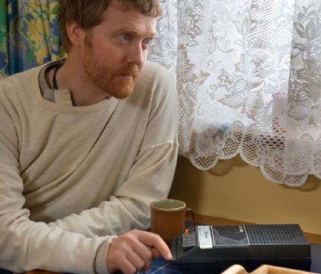 Glen Hansard  in drama music once - 2007