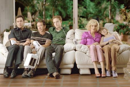 Patrick Warburton , Tim Allen, Ben Foster, Rene Russo, and Zooey Deschanel in Touchstone's Big Trouble - 2002