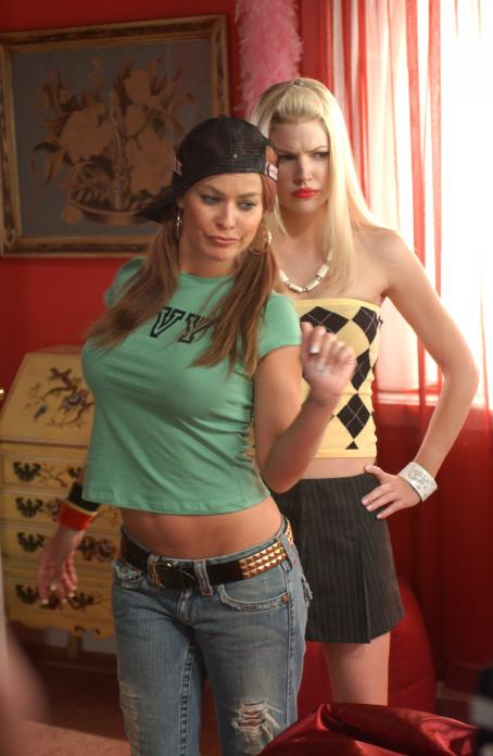 Dirty Love Carmen Electra as Michelle and Kam Heskin as Carrie in ''