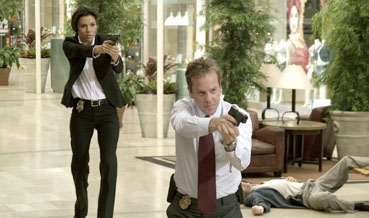 The Sentinel Eva Longoria (Jill Marin) and Kiefer Sutherland (David Breckinridge) in 20th Century Fox's