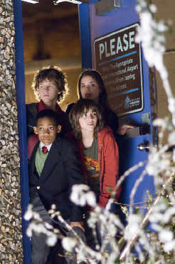 "Gia Mantegna Clockwise from top left: Spencer (DYLLAN CHRISTOPHER), Grace (GINA MANTEGNA), Donna (QUINN SHEPHARD) and Charlie (TYLER JAMES WILLIAMS) in Warner Bros. Pictures' and Village Roadshow Pictures' comedy ""Unaccompanied Minors,"" distrib"