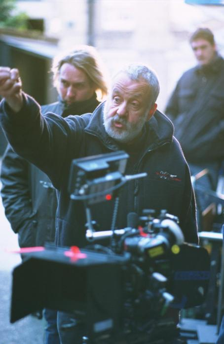 Vera Drake VERA DRAKE director Mike Leigh.
