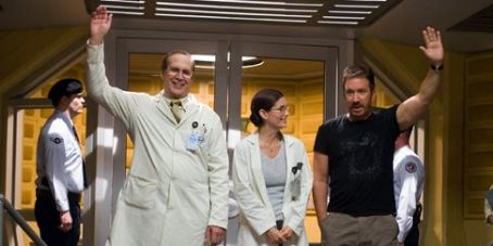 Chevy Chase , Courteney Cox Arquette and Tim Allen in Zoom - 2006