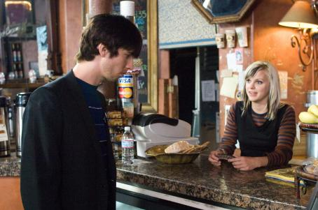 Jon Heder  as Jeffrey and Anna Faris as Nora in director Tim Hamilton's MAMA'S BOY, a Warner Independent Pictures release. Photo by Darren Michaels