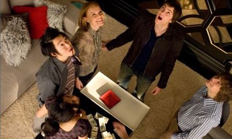 Liza Lapira Choi (Aaron Yoo), Jill (Kate Bosworth), Ben (Jim Sturgess), and Kianna () in 21.