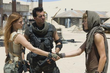 Carlos Olivera (l to r) Ali Larter, Oded Fehr and Milla Jovovich star in RESIDENT EVIL: EXTINCTION, a Screen Gems release. Photo credit: Van Redin. Motion Picture Photography © 2007 Constantin Film International GmbH. All Rights Reserved.