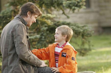 Dakota Goyo Josh Hartnett and  play as Erik and Teddy in Resurrecting the Champ - 2007. ©2007 Yari Film Group Releasing.
