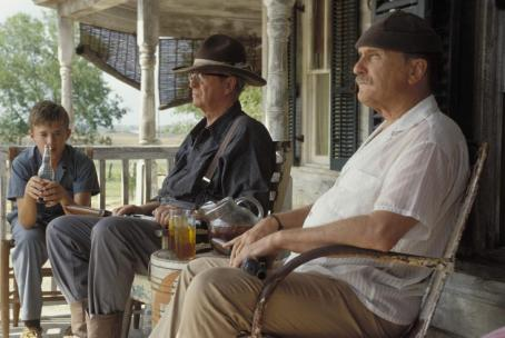 Secondhand Lions Haley Joel Osment with uncles Michael Caine and Robert Duvall