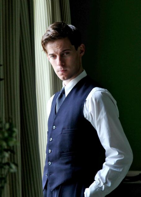 Luke Treadaway Cheerful Weather for the Wedding (2012)
