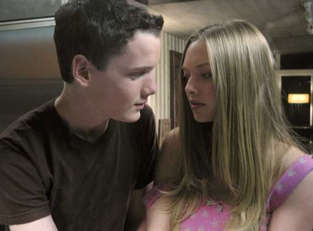 Alpha Dog Anton Yelchin star as Zack Mazursky with Amanda Seyfried as Julie Beckley in Nick Cassavetes Crime Drama '' 2007