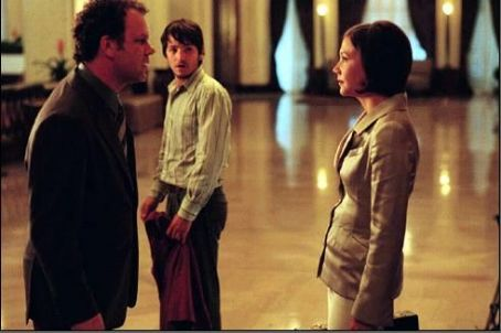 John C. Reilly , Diego Luna and Maggie Gyllenhaal in Criminal - 2004