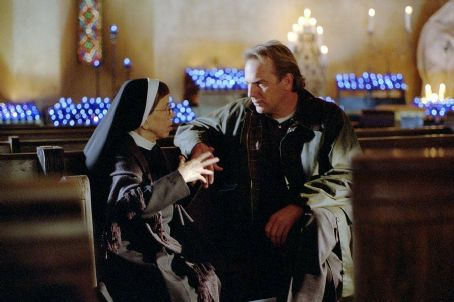 Dragonfly Linda Hunt and Kevin Costner in Universal's  - 2002