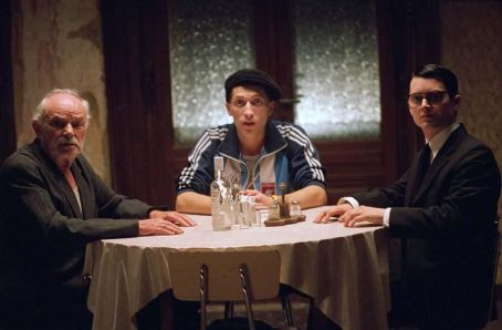 Boris Leskin is Grandfather, Eugene Hutz is Alex and Elijah Wood is Jonathan in Live Schreiber's EVERYTHING IS ILLUMINATED, a Warner Independent Pictures release. Photo credit: Neil Davidson. © 2005 Warner Bros. Entertainment Inc.