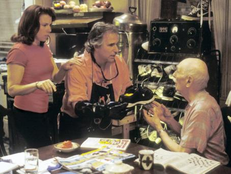 Henry Winkler Stanley's mother (Siobhan Fallon Hogan, left), father (, center) and grandfather (Nathan Davis, right) work on the elusive remedy for foot odor while Stanley is off at Camp Green Lake.