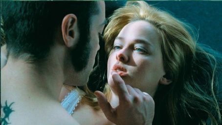 Jess Weixler John Hensley as Brad with  star as Dawn in Lions Gate Films' Teeth - 2007