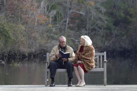 "James Garner  (left) stars as ""Duke"" and Gena Rowland (right) stars as ""Allie"" in New Line Cinema's epic story of love lost and found, THE NOTEBOOK."