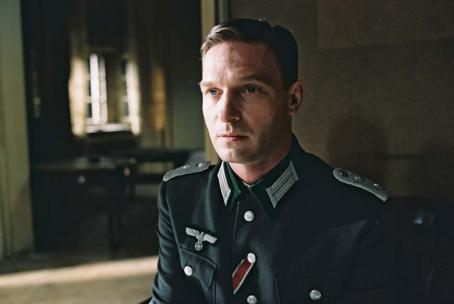 Thomas Kretschmann  in Focus Films' The Pianist - 2002