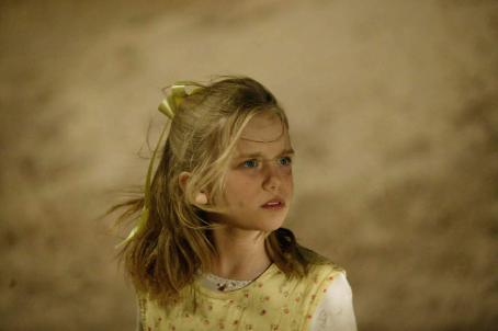 Sapphire Boyce Kellyanne Williamson ( ) in Peter Cattaneo drama family Opal Dream - 2006
