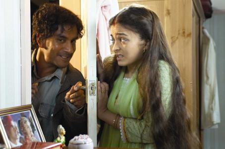 Naveen Andrews  as Deepak Ahluwalia and Aishwarya Rai star as Kiranjit Ahluwalia in Provoked - 2007