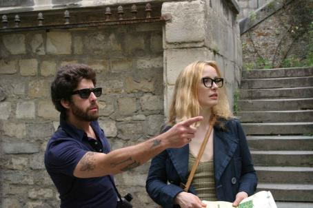 2 Days in Paris Adam Goldberg as Jack and Julie Delpy as Marion in