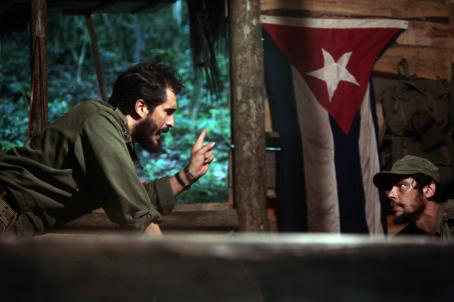 Che: Part Two - Demian Bichir as Fidel Castro and Benicio Del Toro as Che in CHE directed by Steven Soderbergh. Photo credit: Laura Magruder. An IFC Films release