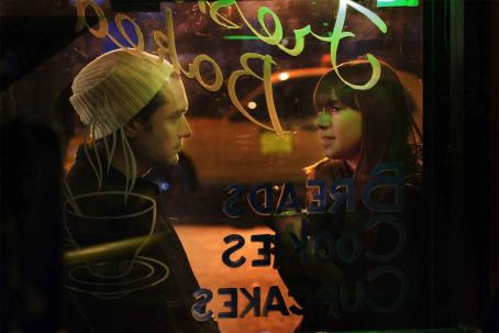 My Blueberry Nights Jude Law and Cat Power star in Wong Kar-Wai's . Photo by: ©The Weinstein Company, 2007/MaCall Polay