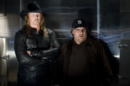 Trace Adkins  with Kevin P. Farley in the scene of An American Carol.
