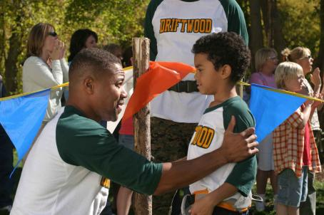 Spencir Bridges Cuba Gooding Jr. (left) and  star in DADDY DAY CAMP, a TriStar Pictures release. Photo credit: Susie Ramos