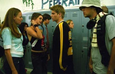 Havoc L to R: Bijou Phillips as Emily, Anne Hathaway as Allison, Mike Vogel as Toby and Joseph Gordon-Levitt as Sam in  - 2005