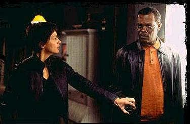 Twisted Ashley Judd and Samuel L Jackson in  - 2004