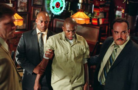 "David Zayas L-r: Cylk Cozart as Jimmy Mulvey, Mos Def as Eddie Bunker and  as Robert Torres in Alcon Entertainment and Millennium Films' action thriller ""16 Blocks,"" also starring Bruce Willis and David Morse and distributed by Warner Bro"