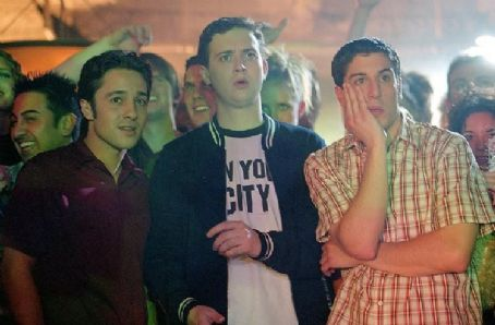 Eddie Kaye Thomas Kevin (Thomas Ian Nicholas), Finch () and soon-to-be-married Jim (Jason Biggs) go clubbing