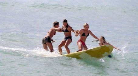 Mika Boorem , Michelle Rodriguez, Kate Bosworth and Sanoe Lake in Universal's Blue Crush - 2002