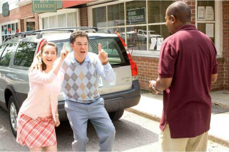 Molly Ephraim (L to R) MOLLY EPHRAIM, DONNY OSMOND and MARTIN LAWRENCE in COLLEGE ROAD TRIP © Disney Enterprises, Inc. All rights reserved. Photo Credit: John Clifford.
