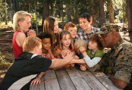 Spencir Bridges (Top row, from left) Zachary Allen, Telise Galanis, Dallin Boyce, Tad D'Agostino, (bottom row, from left) Tyger Rawlings, , Molly Jepson, Talon G. Akerman, Taggart Hurtubise, and Richard Grant star in DADDY DAY CAMP, a TriStar Pictures